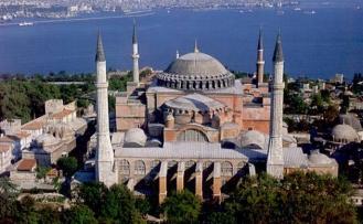 Ayasofya Camii 81 yıldır ibadete kapalı