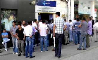 Mart'ta işsizlik yarım puan azaldı