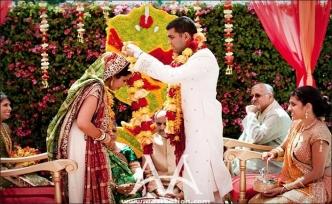 Hintliler düğün için Kıbrıs'a yöneldi