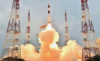 Hindistan 31 uydu fırlattı
