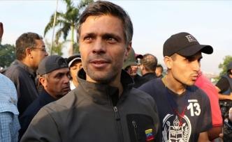 Venezuela'da muhalif lider İspanya'ya kaçtı
