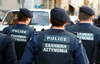 Yunanistan 4 Türk'ü gözaltına aldı