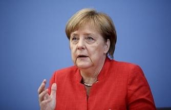 Merkel'den dörtlü zirve açıklaması