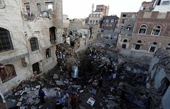 """""""Yemenli çocuklara atılan bomba ABD'den"""" iddiası"""