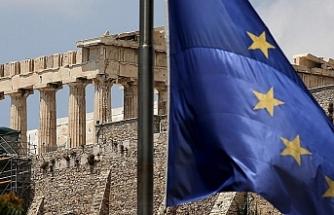 Yunanistan  8 yılın ardından kurtarma paketinden çıkıyor