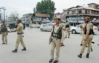 Cammu Keşmir'de 3 polis öldürüldü