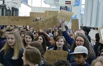 İsveç'te lise öğrencilerinden ırkçılık karşıtı gösteri