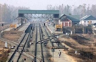 Keşmir'de genel grev tren seferlerini durdurdu