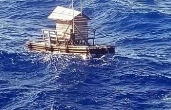 Okyanus'ta sürüklenen balıkçı karaya ayak bastı