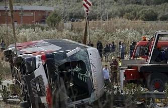 Otobüs kazası üç bakanı istifa ettirdi