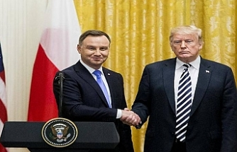 """Polonya lideri """"Trump Kalesi"""" istedi"""
