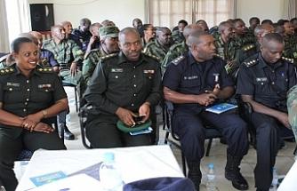 Ruanda'da çok sayıda polis görevden alındı