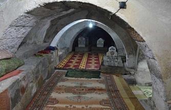 Tarihi Feyzullah El Ensari Türbesi ziyarete açıldı