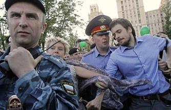 Zehirlenen aktivist için Rusya suçlandı