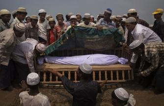 Myanmar Arakanlı Müslümanları ölüme terk ediyor