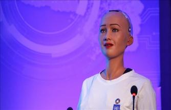Robot 'Sophia'nın ikinci dili belli oldu