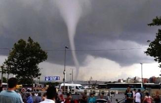 İstanbul Çatalca'da hortum paniği