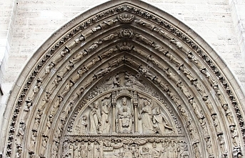 Tamamlanması 182 yıl süren Notre Dame katedralinin hazin öyküsü