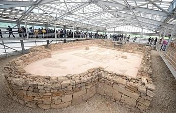 Kalkolitik döneme ait seramik ve sunu çukurları bulundu