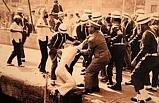 6. Filo askerleri denize atıldı