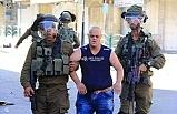 Korkak İsrail askerleri Down sendromlu Filistinli genci darp etti