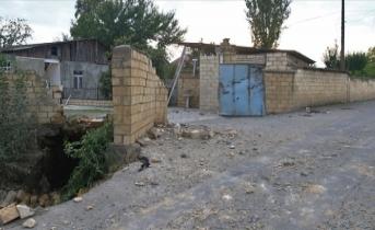 Ermenistan, sivilleri vurmaya devam ediyor