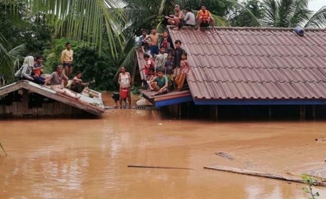 Asya'da sel felaketi, yüzlerce köy su altında