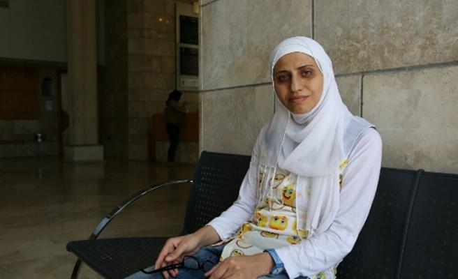 """""""Diren Halkım Diren"""" diyen Filistinli şair gözaltında"""