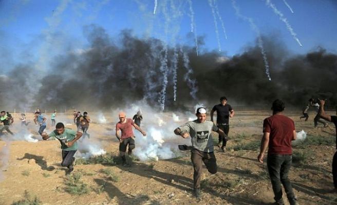 Filistinli çocuk gaz bombasıyla yaralandı