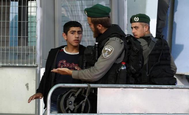 Filistinli çocuk tutuklulara yüksek para cezası