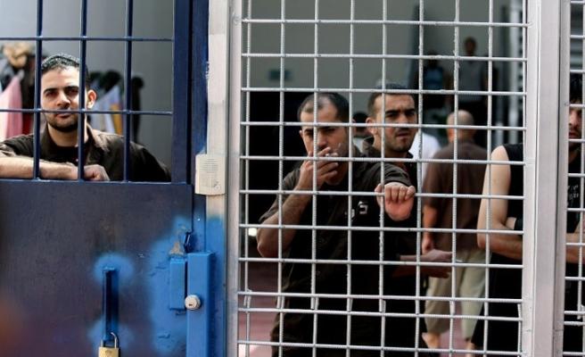 Filistinli tutuklulara su işkencesi