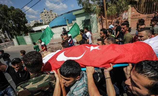 Gazze şehidi Türk bayrağına sarılarak uğurlandı