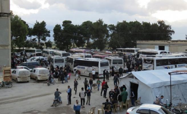 İlk tahliye konvoyu İdlib'e ulaştı
