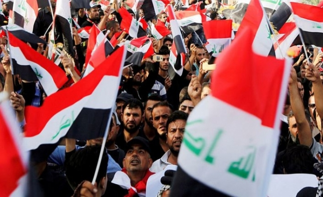 Irak'ta 9 ayrı kentte halk sokakta