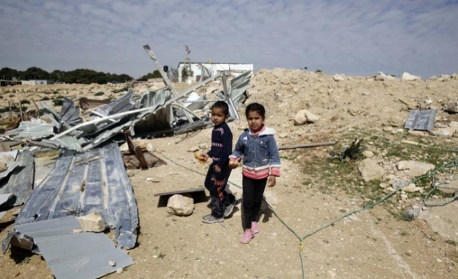 İsrail Doğu Kudüs'te Bedevilerin kreşini yıktı