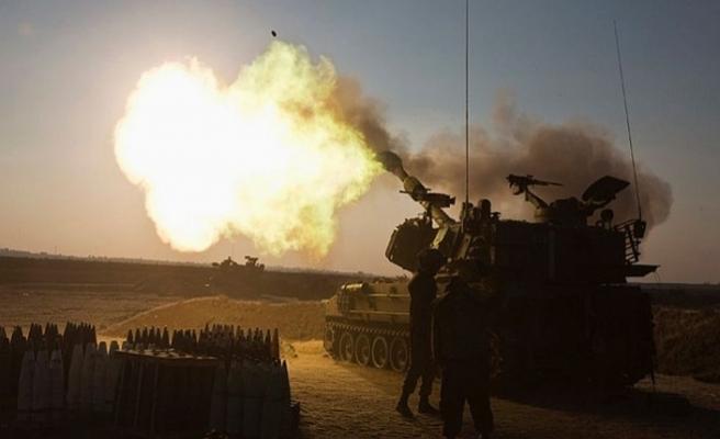 İsrail Gazze'ye top atışlarıyla saldırdı