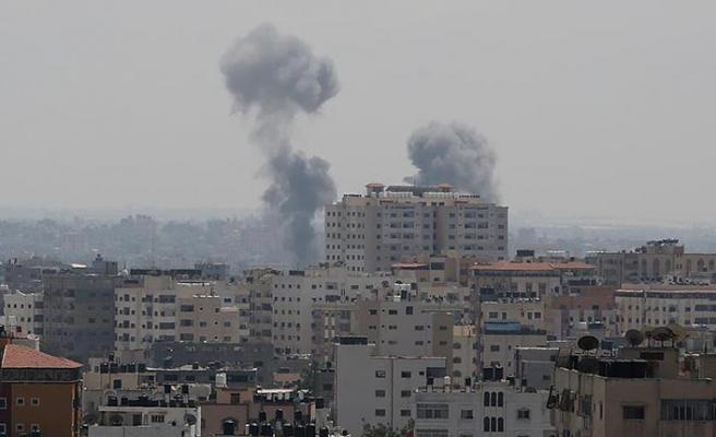 İsrail savaş uçaklarından Gazze'ye hava saldırısı