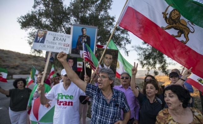 Kaliforniya'daki İranlılar Pompeo'ya tepkili