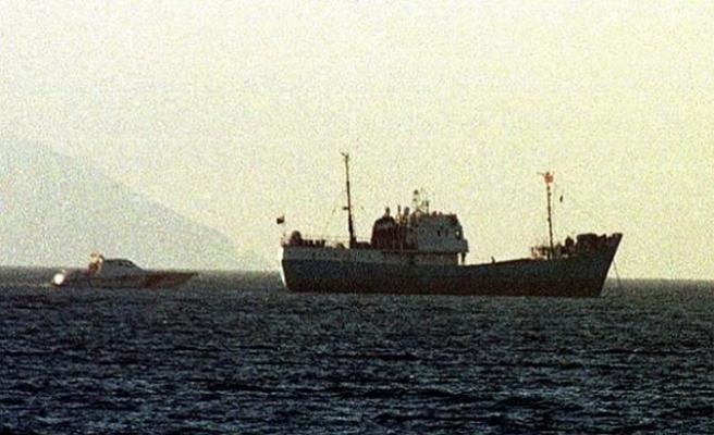 Mülteci gemisine hiç bir ülke giriş izni vermedi