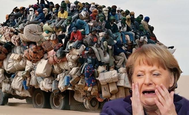 Mülteciler üzerinden siyaset Almanya'ya yaramadı