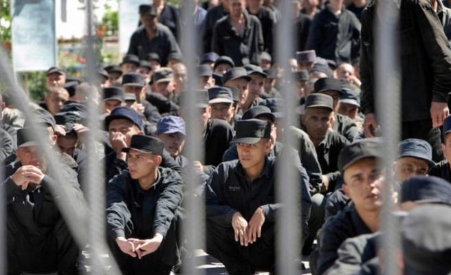 Özbekistan'da mahkumlar yeniden eğitilecek