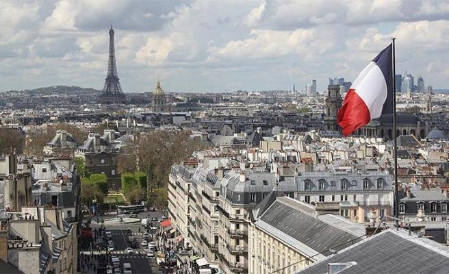 Paris'te 18 katlı binada yangın: Ölü ve yaralılar var