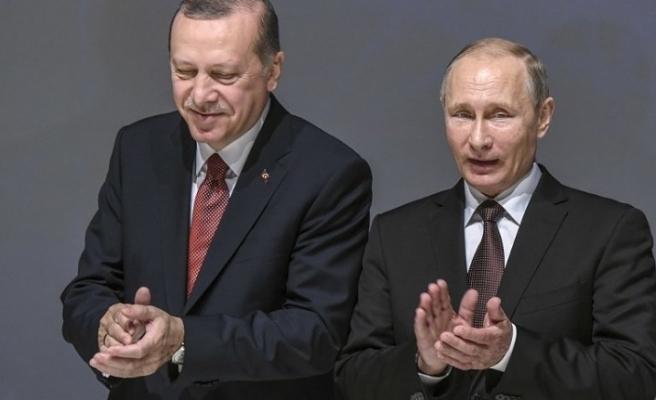Putin kendini Türkiye'ye davet ettirdi