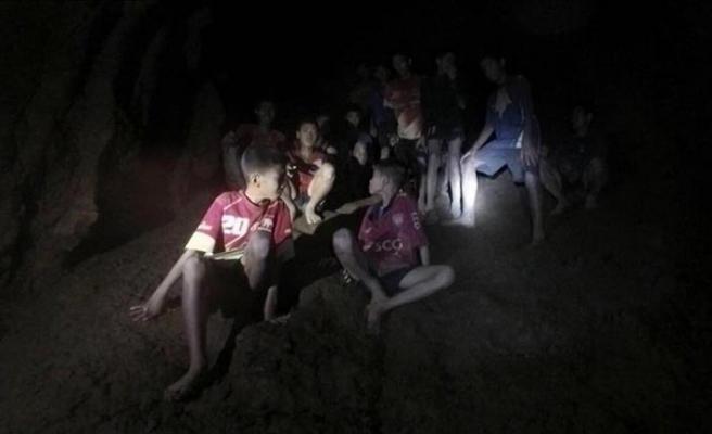 Tayland'da mahsur kalan çocuklar için kritik saatler