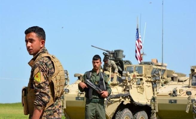 ABD askerleri teröristlerle kol kola