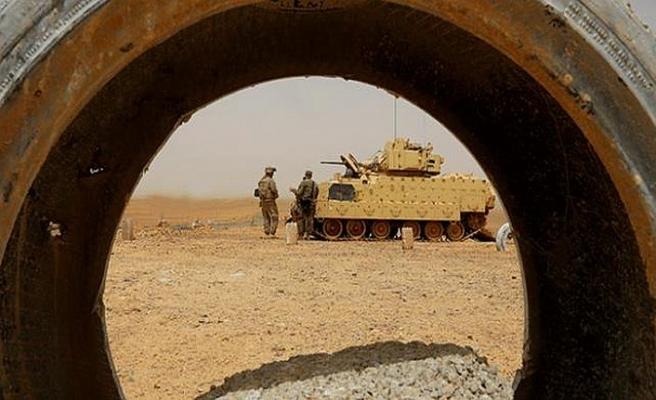 """""""Amerika'da Evangelistler orduyu ele geçiriyor"""""""