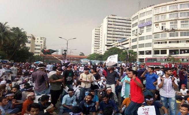 Bangladeş'te yeni kaza, alevlenen protestolar