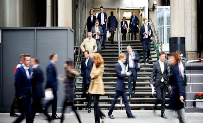 Brexit finans sektörüne işsizlik olarak dönüyor