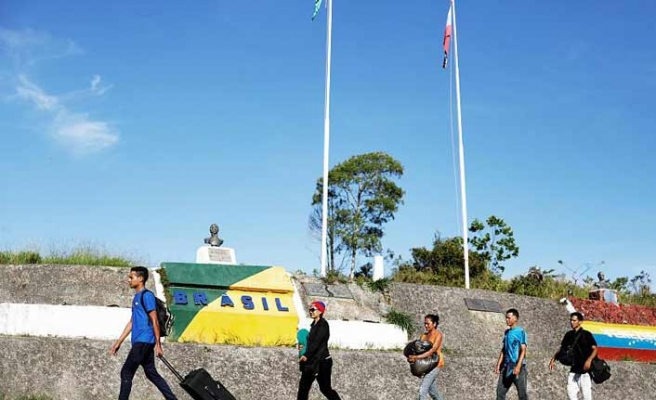 Brezilya sınırını Venezuelalı göçmenlere yeniden açtı
