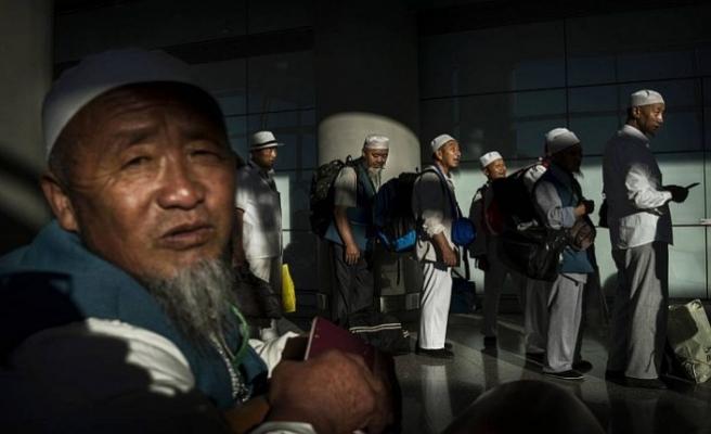 Çin hacca giden müslümanları GPS ile izliyor